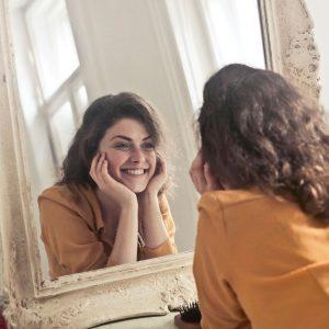 gezichtsbehandeling mooie huid spiegel vitacare health solutions almere