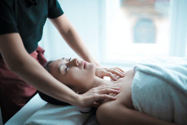 hoofd nek schouder massage vitacare almere